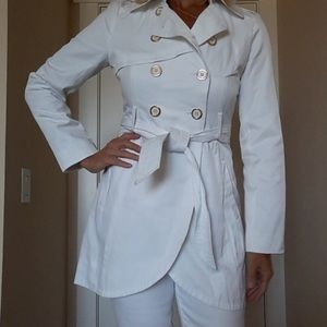 Guess || white trench coat w/ gold buttons